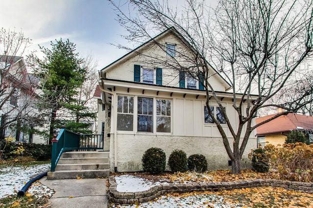 207 4th Street, Libertyville, IL 60048 (MLS #10133471) :: Helen Oliveri Real Estate