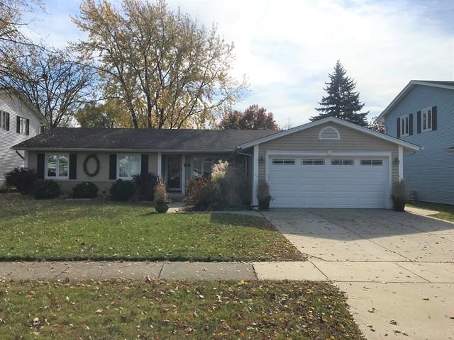 371 Wellington Avenue, Elk Grove Village, IL 60007 (MLS #10133552) :: Leigh Marcus | @properties
