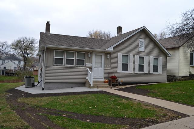 227 E 5th Street, Spring Valley, IL 61362 (MLS #10133576) :: Leigh Marcus | @properties