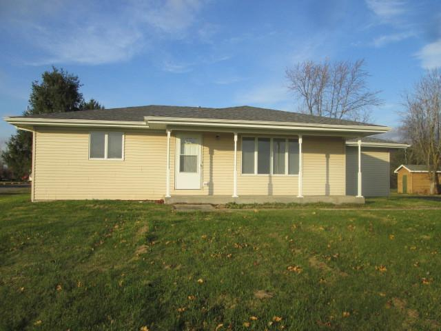 1120 E County Line Road, Grant Park, IL 60940 (MLS #10133647) :: Domain Realty