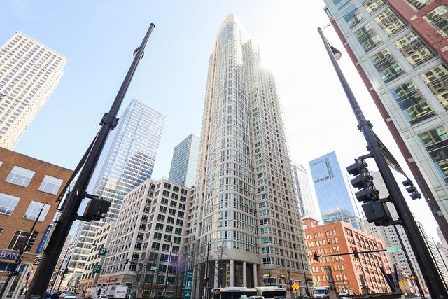 345 N Lasalle Boulevard N #4702, Chicago, IL 60654 (MLS #10133804) :: Domain Realty
