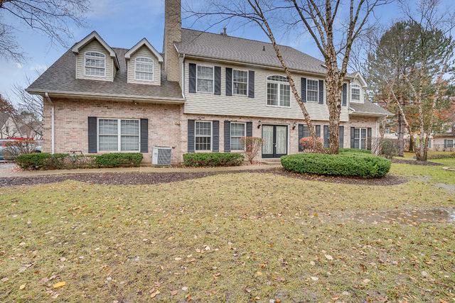 1474 Laurel Oaks Drive, Streamwood, IL 60107 (MLS #10133970) :: Ani Real Estate