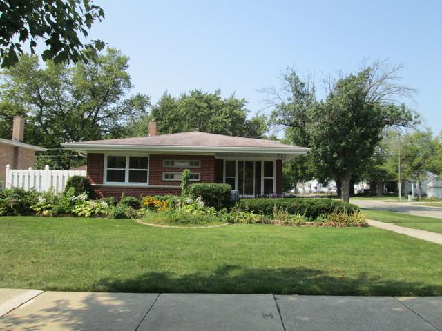 2400 S 10th Avenue, Broadview, IL 60155 (MLS #10133977) :: Domain Realty
