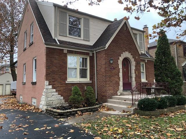 9207 S Sawyer Avenue, Evergreen Park, IL 60805 (MLS #10133991) :: Domain Realty