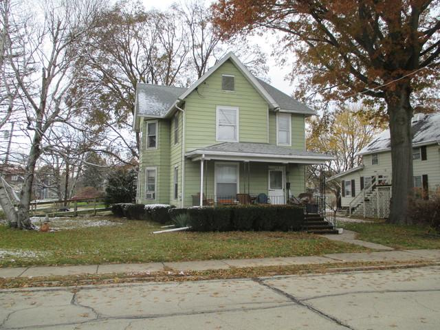312 E 12th Street, Sterling, IL 61081 (MLS #10134391) :: Domain Realty