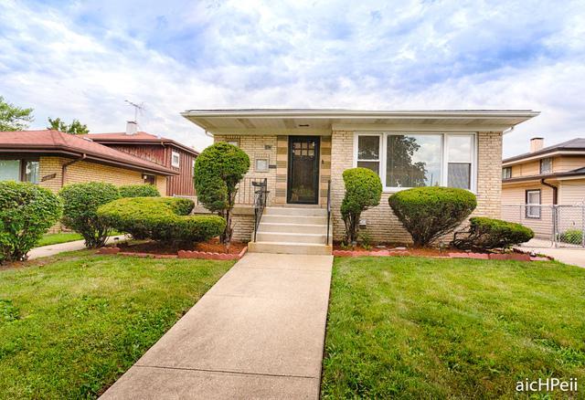 690 E 152nd Street, Dolton, IL 60419 (MLS #10134628) :: Ani Real Estate