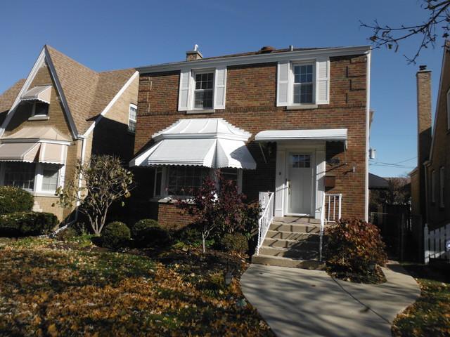 1821 N 75TH Court, Elmwood Park, IL 60707 (MLS #10135084) :: Ani Real Estate