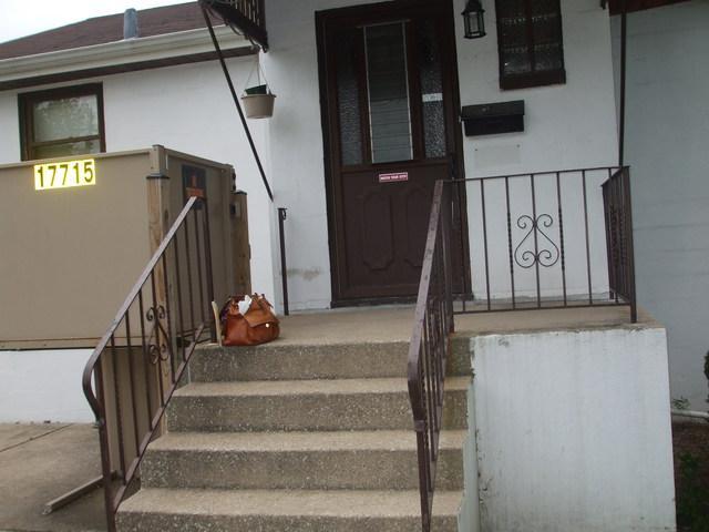 17715 Henry Street, Lansing, IL 60438 (MLS #10135247) :: The Dena Furlow Team - Keller Williams Realty