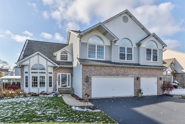 325 Hidden Creek Road, Lake Zurich, IL 60047 (MLS #10135434) :: Helen Oliveri Real Estate