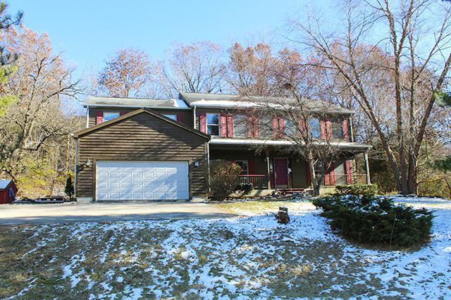 1420 Seneca Court, Woodstock, IL 60098 (MLS #10135437) :: Lewke Partners