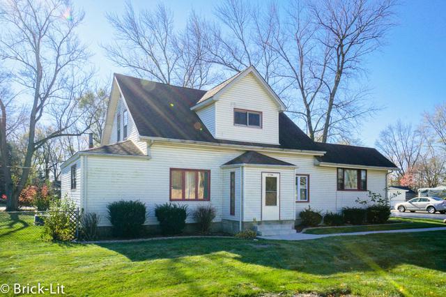 17704 Highland Avenue, Tinley Park, IL 60477 (MLS #10135804) :: Ani Real Estate