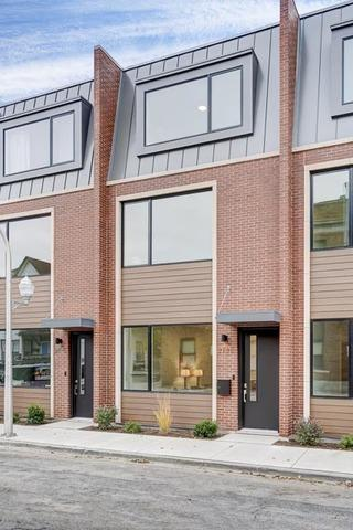 2739 W Prindiville Street, Chicago, IL 60647 (MLS #10136025) :: Domain Realty
