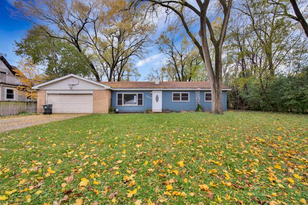 3805 Emerson Avenue, Rolling Meadows, IL 60008 (MLS #10136275) :: Leigh Marcus | @properties
