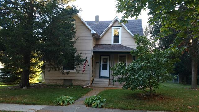 322 S 10th Street, Dekalb, IL 60115 (MLS #10136648) :: Domain Realty