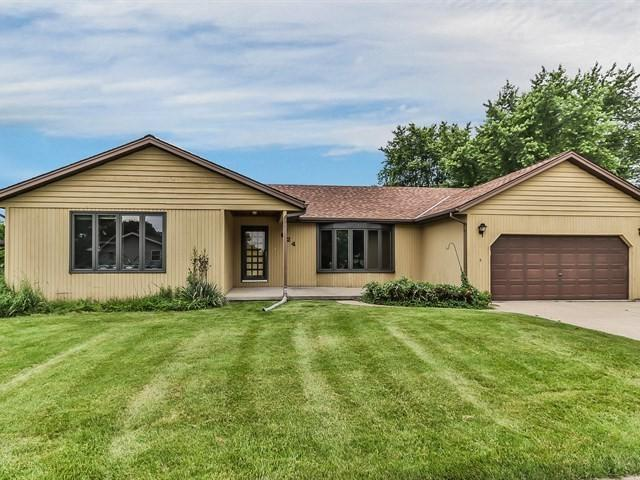 624 Michigan Avenue, South Elgin, IL 60177 (MLS #10136801) :: The Dena Furlow Team - Keller Williams Realty