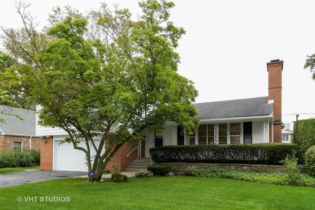 2609 Greenleaf Avenue, Wilmette, IL 60091 (MLS #10136865) :: Ani Real Estate