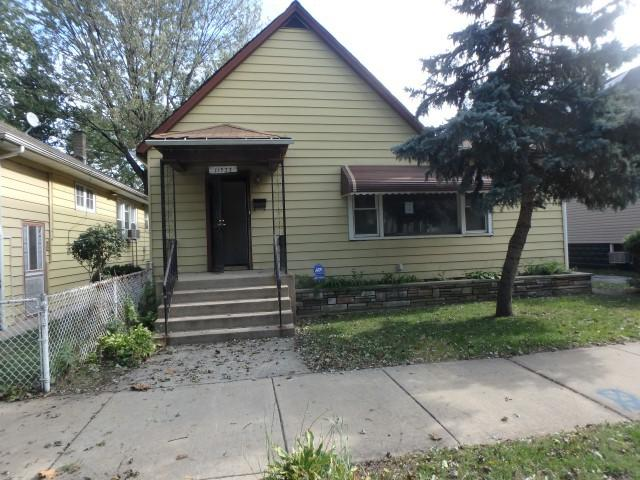11527 S Parnell Avenue, Chicago, IL 60628 (MLS #10137006) :: Ani Real Estate