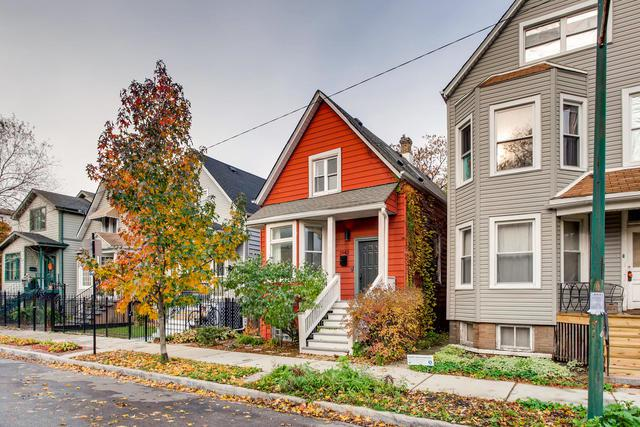 2942 N Dawson Avenue, Chicago, IL 60618 (MLS #10137126) :: Ani Real Estate