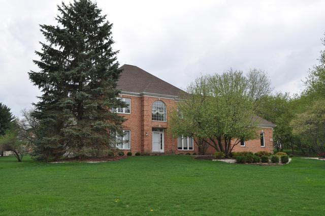 601 Cove Drive, Cary, IL 60013 (MLS #10137193) :: Lewke Partners