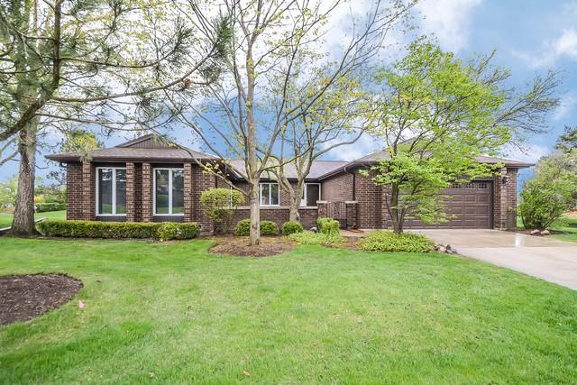 4504 Lindenwood Lane, Northbrook, IL 60062 (MLS #10137371) :: Helen Oliveri Real Estate