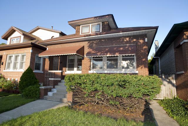 1421 East Avenue, Berwyn, IL 60402 (MLS #10137427) :: Ani Real Estate