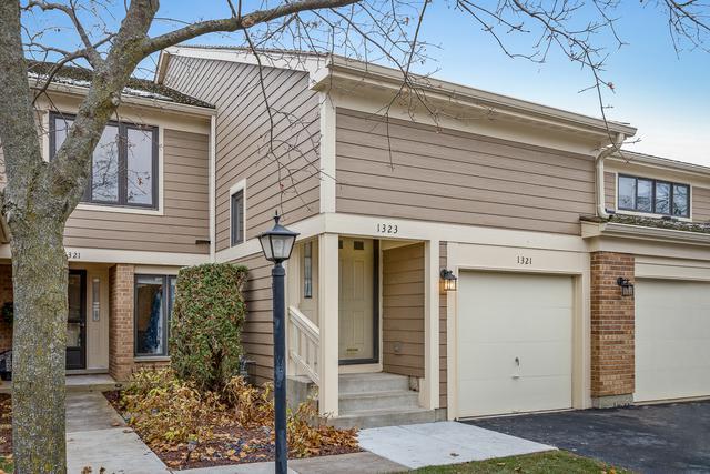 1323 Pimlico Parkway, Libertyville, IL 60048 (MLS #10137444) :: Helen Oliveri Real Estate