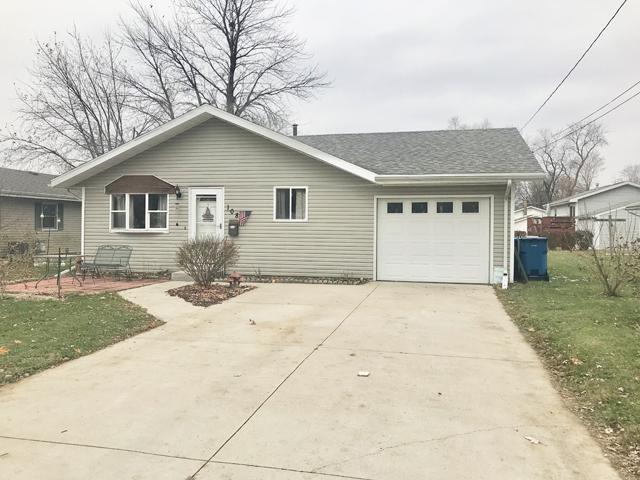 108 10th Avenue, Mendota, IL 61342 (MLS #10137520) :: Leigh Marcus | @properties