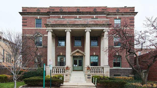 156 N Oak Park Avenue 2H, Oak Park, IL 60301 (MLS #10137549) :: Leigh Marcus | @properties