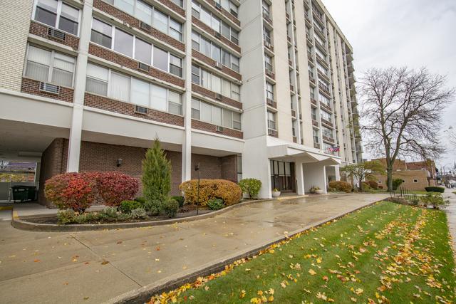 33 N Main Street 3J, Lombard, IL 60148 (MLS #10137825) :: Domain Realty