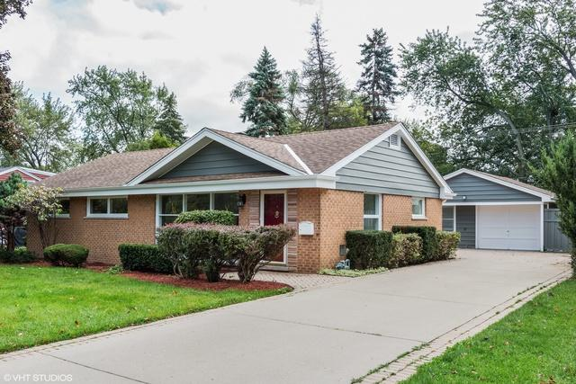 2543 Pick Drive, Glenview, IL 60025 (MLS #10138021) :: Helen Oliveri Real Estate