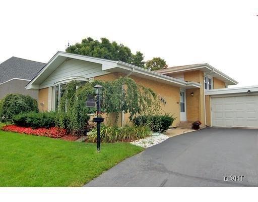 2744 Princeton Avenue, Evanston, IL 60201 (MLS #10138057) :: Domain Realty