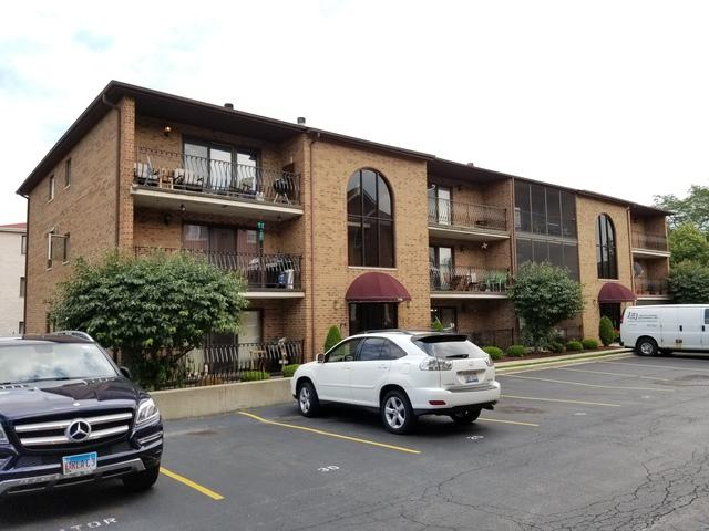 7114 W 108th Street #301, Worth, IL 60482 (MLS #10138071) :: Domain Realty