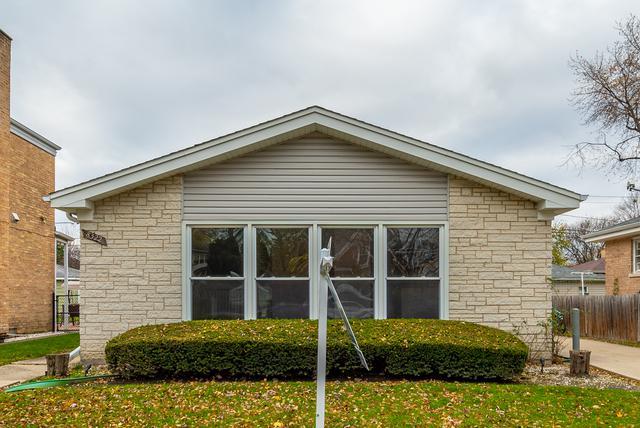 8322 Tripp Avenue, Skokie, IL 60076 (MLS #10138173) :: Domain Realty