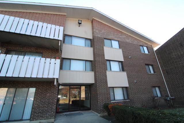 3000 Bayside Drive #104, Palatine, IL 60074 (MLS #10138320) :: Helen Oliveri Real Estate