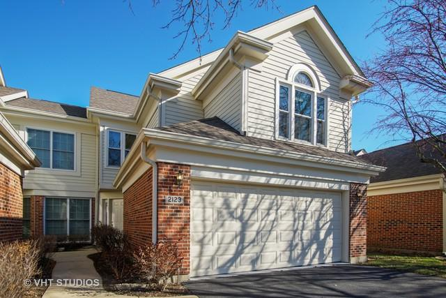 2123 N Charter Point Drive, Arlington Heights, IL 60004 (MLS #10138376) :: Helen Oliveri Real Estate