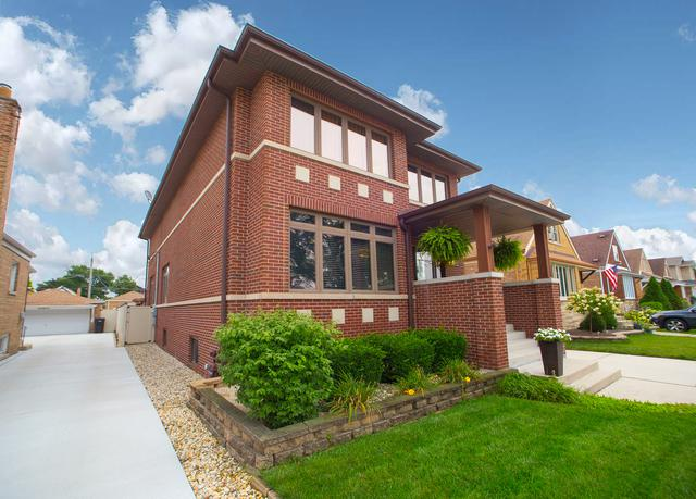 5725 S Nashville Avenue, Chicago, IL 60638 (MLS #10138576) :: Leigh Marcus | @properties