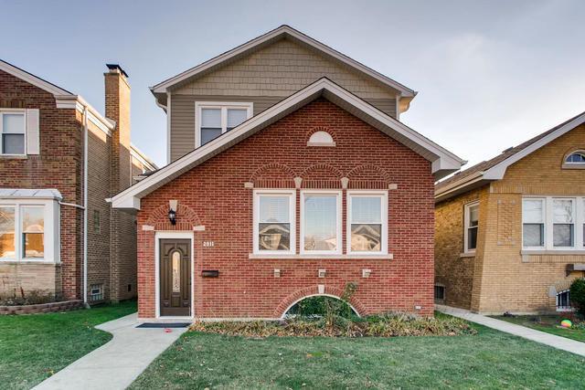 2811 W Fitch Avenue, Chicago, IL 60645 (MLS #10138769) :: Ani Real Estate