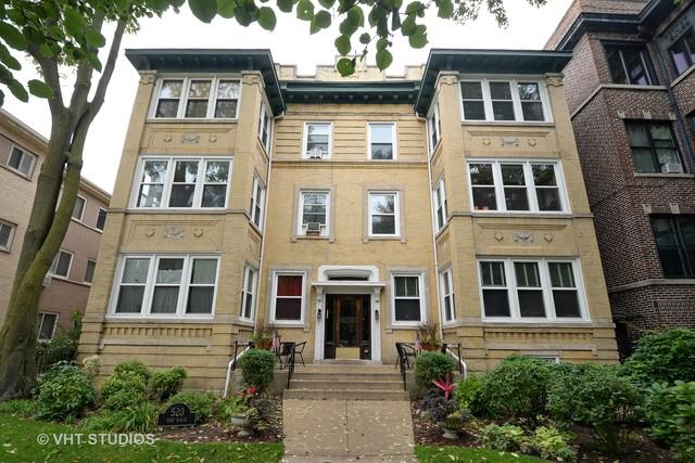 520 W Roscoe Street 2E, Chicago, IL 60657 (MLS #10138784) :: Leigh Marcus | @properties