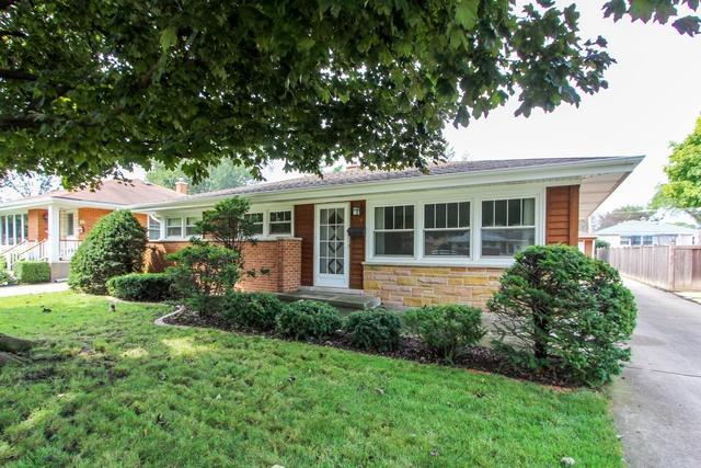 516 N Pine Street, Mount Prospect, IL 60056 (MLS #10138904) :: T2K Properties