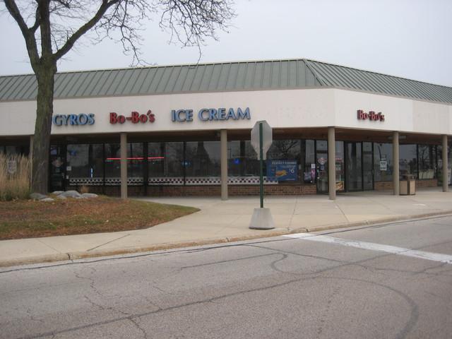 280 Hawthorn Village Commons Plaza, Vernon Hills, IL 60061 (MLS #10139029) :: Helen Oliveri Real Estate