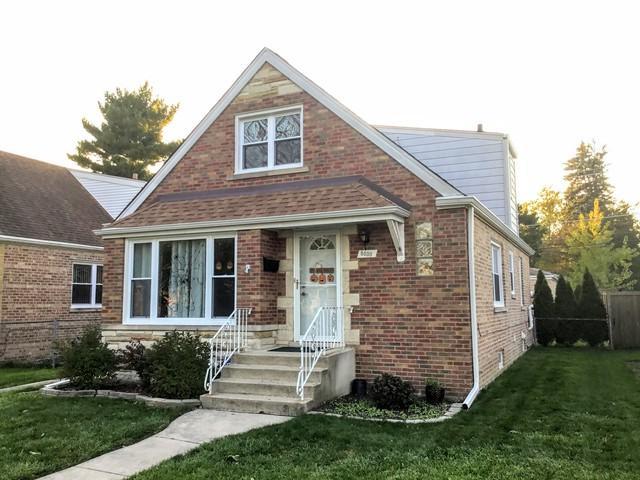 8030 N Ozanam Avenue, Niles, IL 60714 (MLS #10139410) :: Leigh Marcus | @properties