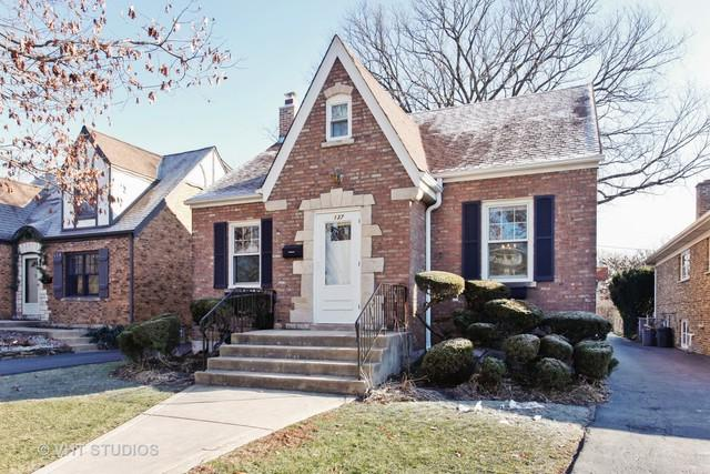 137 Barrypoint Road, Riverside, IL 60546 (MLS #10139452) :: The Wexler Group at Keller Williams Preferred Realty