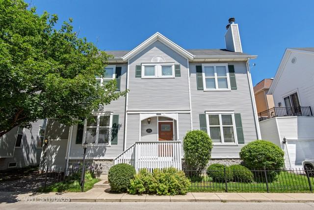 2847-B N Wolcott Avenue, Chicago, IL 60657 (MLS #10139558) :: Leigh Marcus | @properties