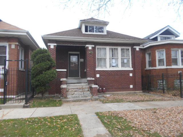 6119 S Fairfield Avenue, Chicago, IL 60629 (MLS #10139624) :: Leigh Marcus | @properties