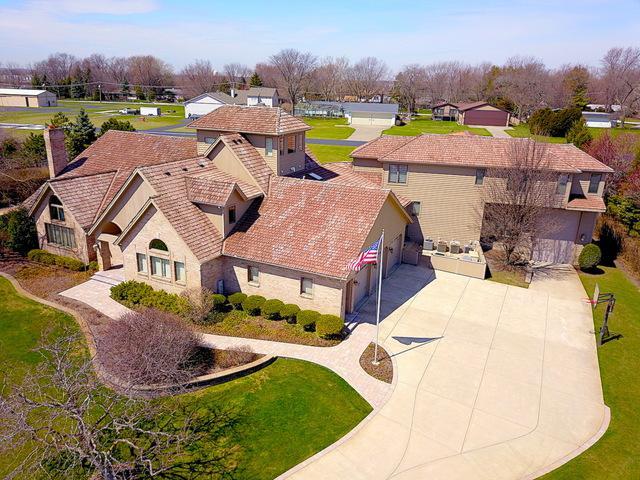 9S280 Stearman Drive, Naperville, IL 60564 (MLS #10140059) :: Helen Oliveri Real Estate