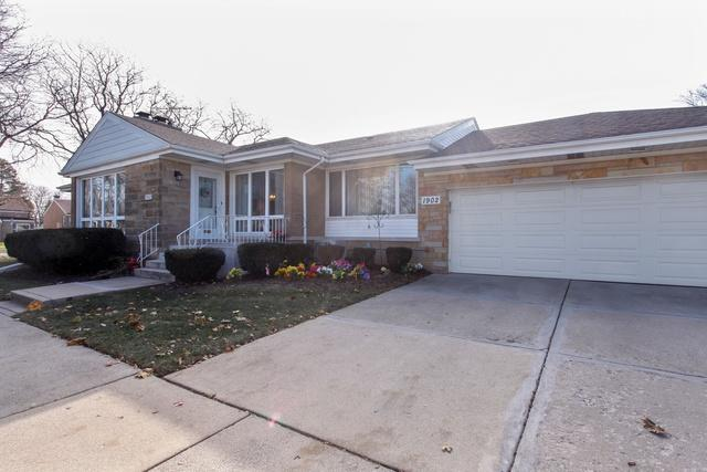 1902 Hull Avenue, Westchester, IL 60154 (MLS #10140115) :: Domain Realty
