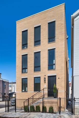 1244 W Huron Street, Chicago, IL 60642 (MLS #10140923) :: Leigh Marcus | @properties