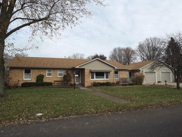 403 E 5th Street, Gilman, IL 60938 (MLS #10141320) :: Leigh Marcus | @properties