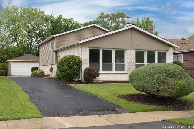 323 E Harrison Street, Elmhurst, IL 60126 (MLS #10141340) :: Ani Real Estate