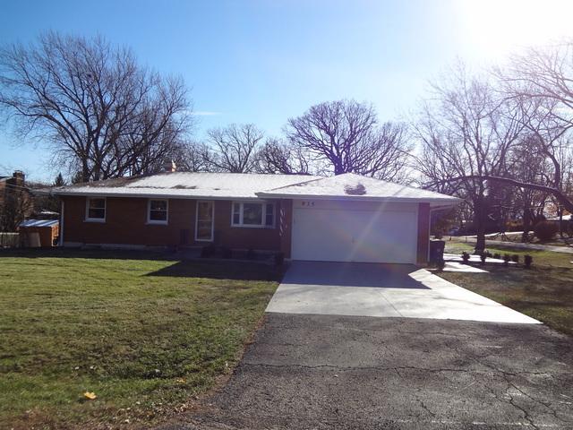 935 Forest Drive, Elgin, IL 60123 (MLS #10141345) :: Ani Real Estate